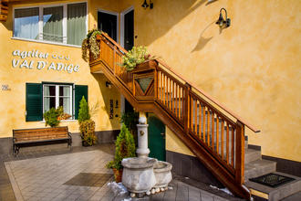 Agritur Val d'Adige a Trento - spazi interni ed esterni